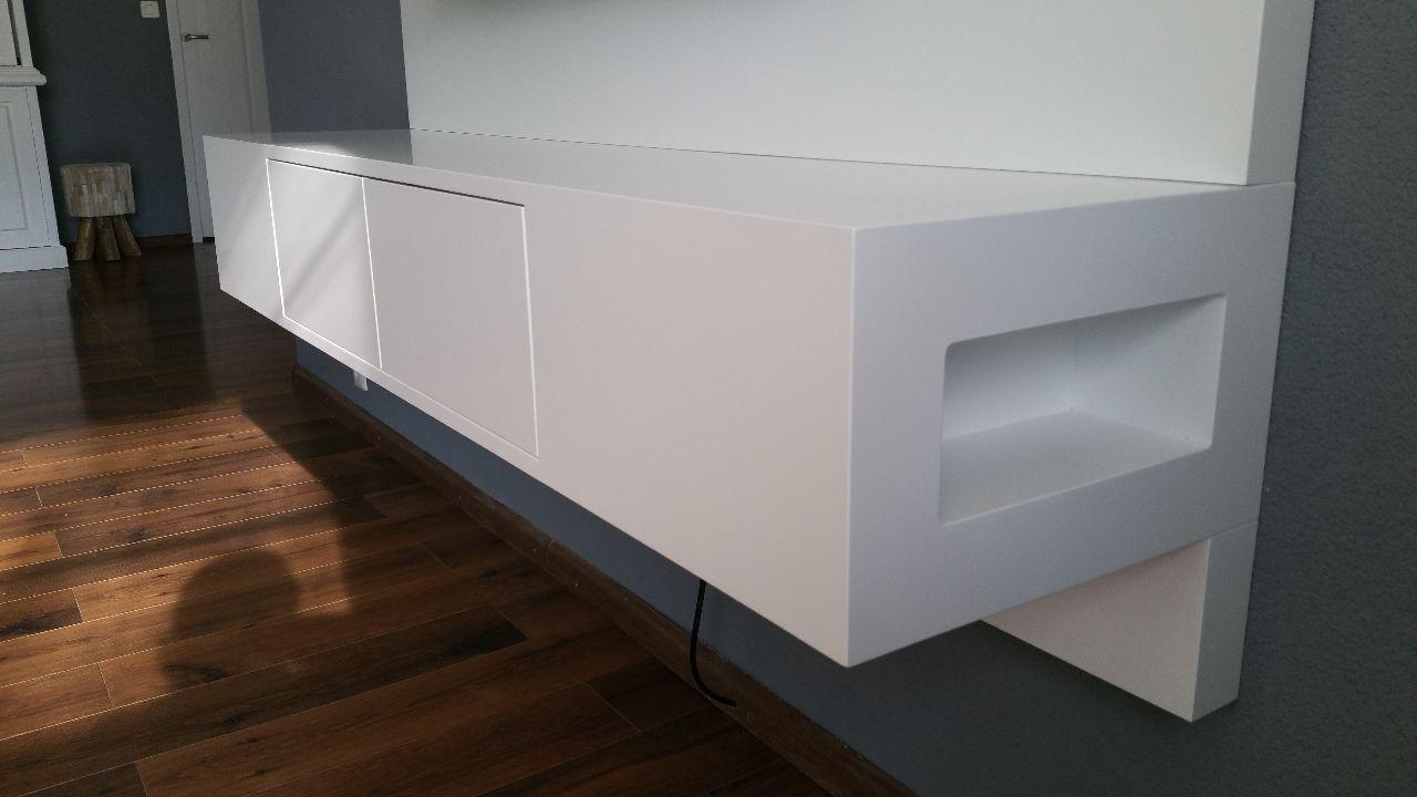 Zwevend tv meubel met LED licht   Meeldijk Meubelmakerij  u0026 Meubelrestauratie