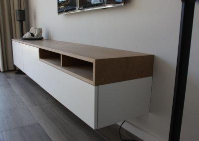 Zwevend tv meubel eiken-wit