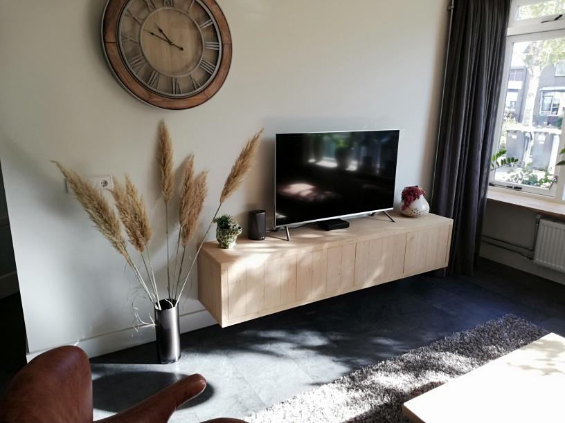 Zwevend tv meubel eiken landelijk