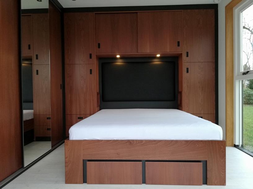Slaapkamer interieur mahonie x